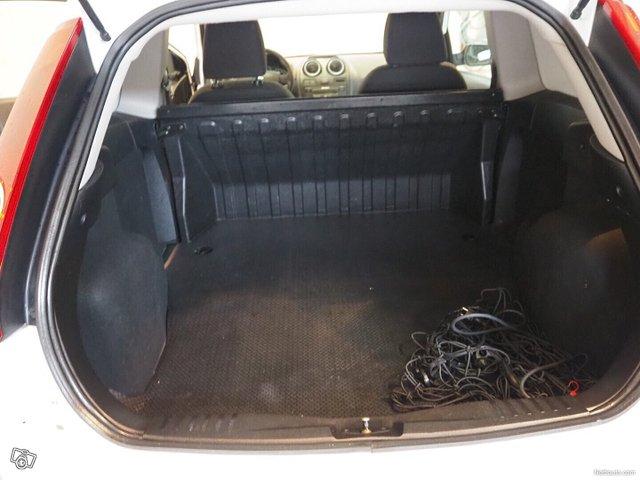 Ford Fiesta Van 9