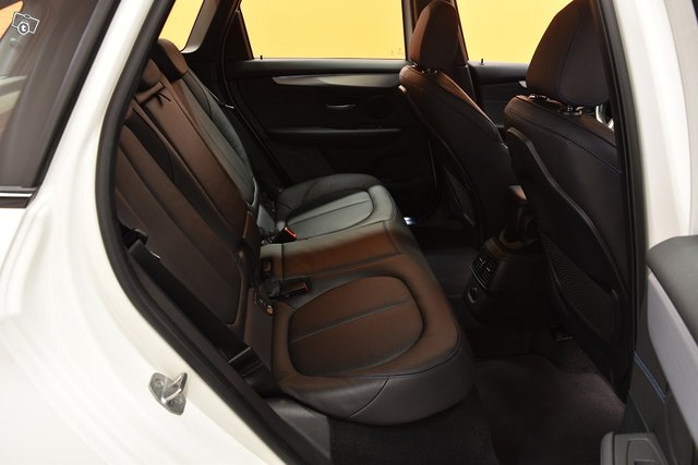 BMW 225 14
