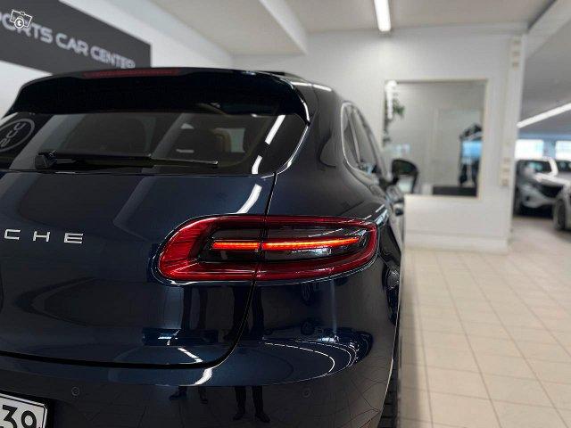 Porsche Macan 19