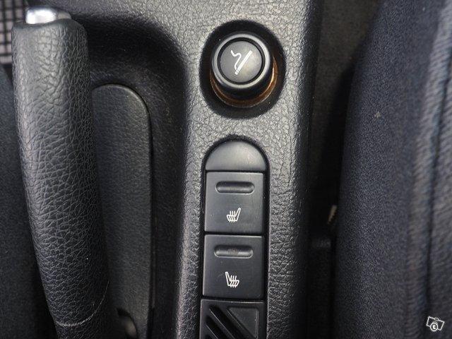 Peugeot 4D 406 Sedan 11