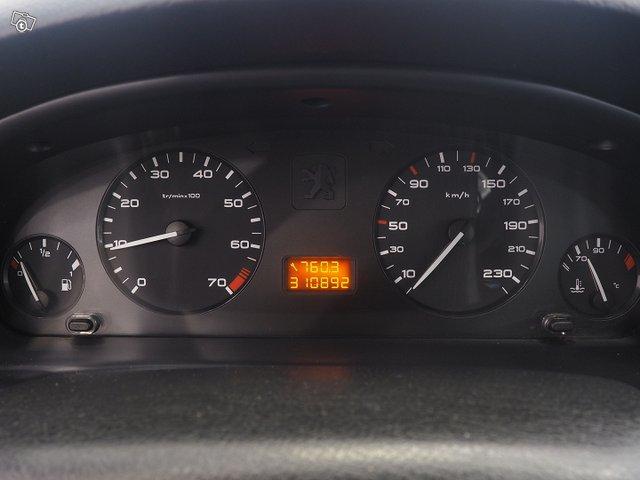 Peugeot 4D 406 Sedan 12