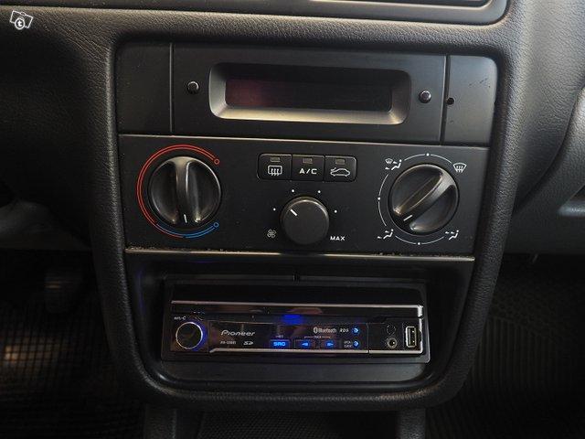 Peugeot 4D 406 Sedan 13