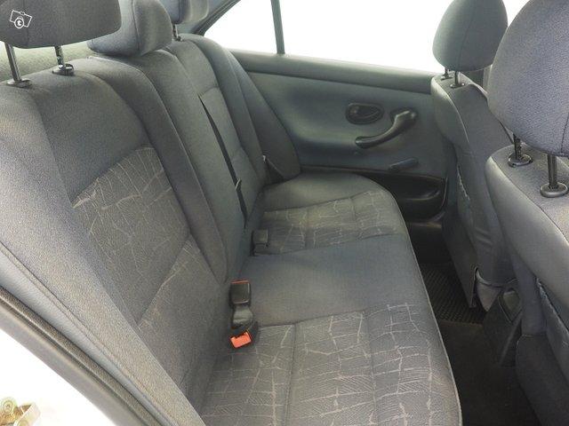 Peugeot 4D 406 Sedan 16