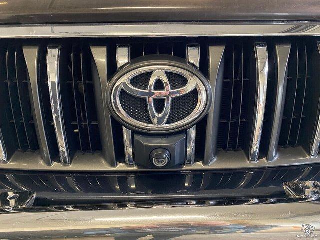 Toyota Land Cruiser 19