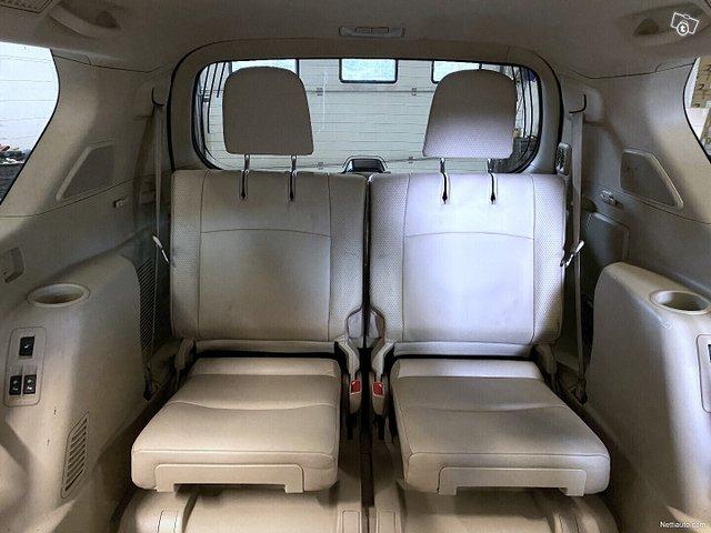 Toyota Land Cruiser 21
