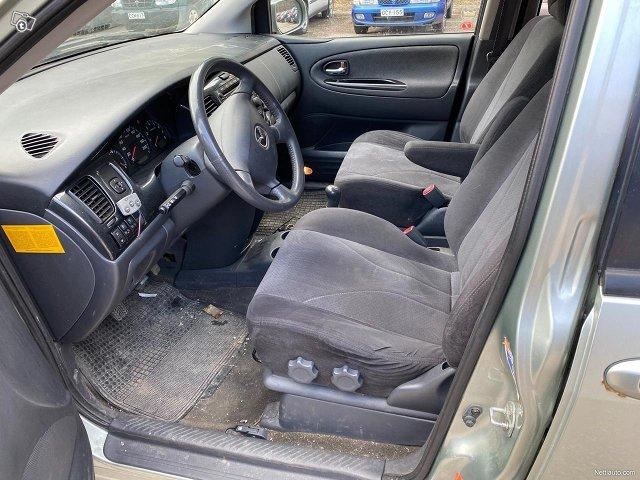 Mazda MPV 10