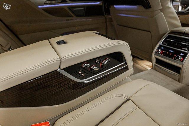 BMW 745 16