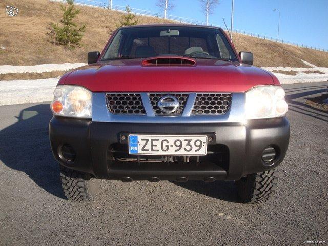 Nissan Pickup 4
