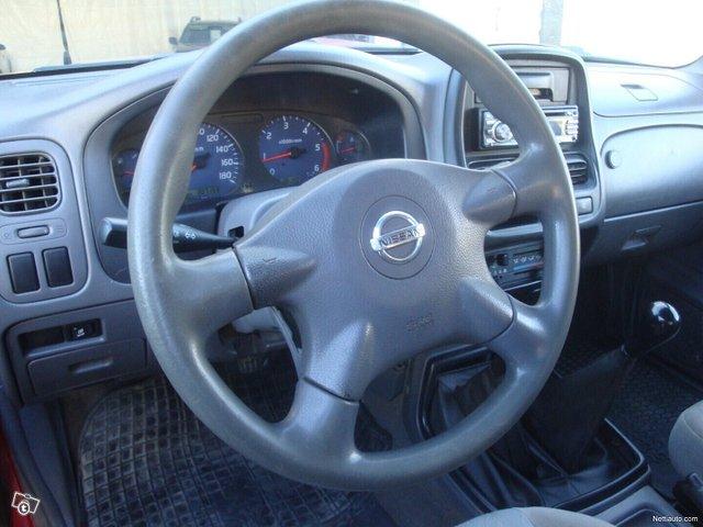 Nissan Pickup 15