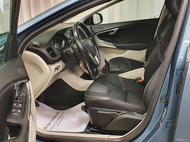 Volvo V40 18