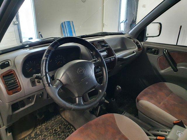 Nissan Terrano II 6