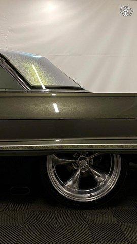 Chevrolet Impala 14
