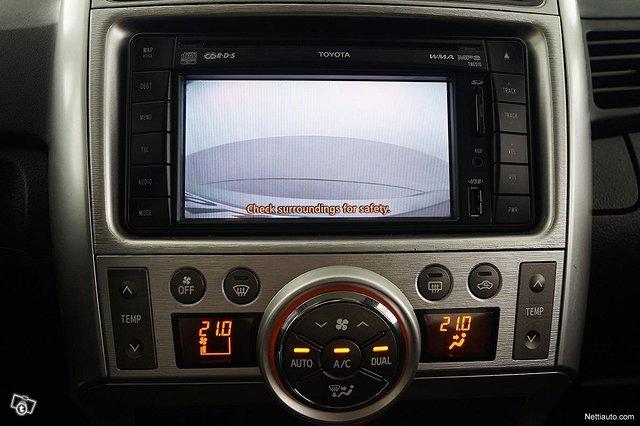 Toyota Verso 17