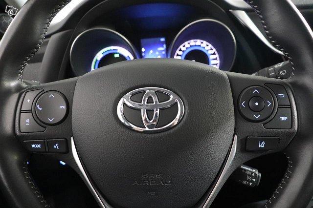 Toyota Auris 17