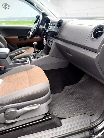 Volkswagen Amarok 9