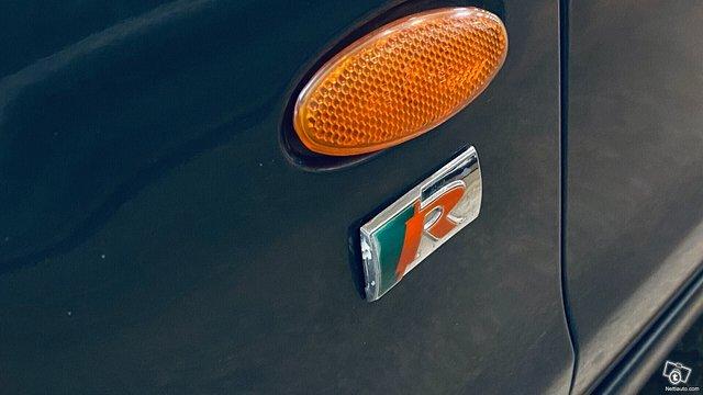 Jaguar S-Type 11