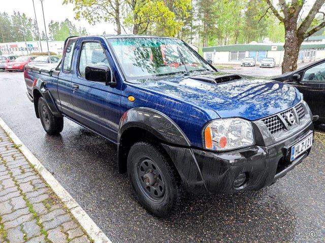 Nissan NP300 6