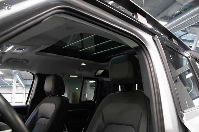 Land Rover Defender 19