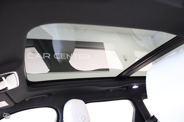 Land Rover Range Rover Velar 16