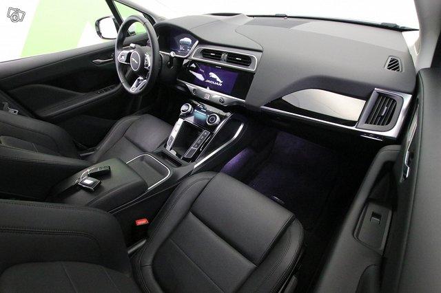 Jaguar I-Pace 9