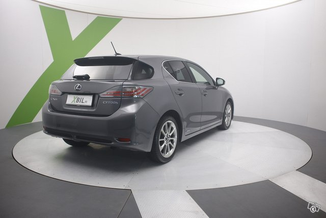 Lexus CT 4