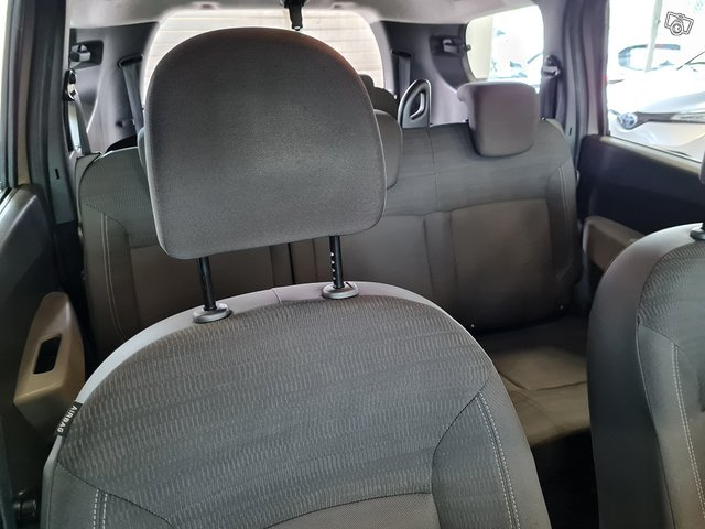 Dacia Lodgy 8
