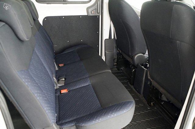 Nissan E-NV200 14