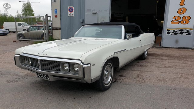 Buick Electra 8