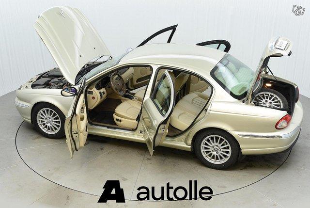 Jaguar X-type 12