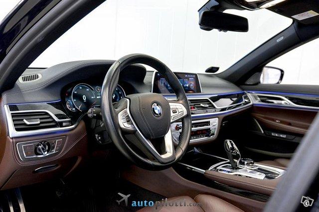 BMW 740 19