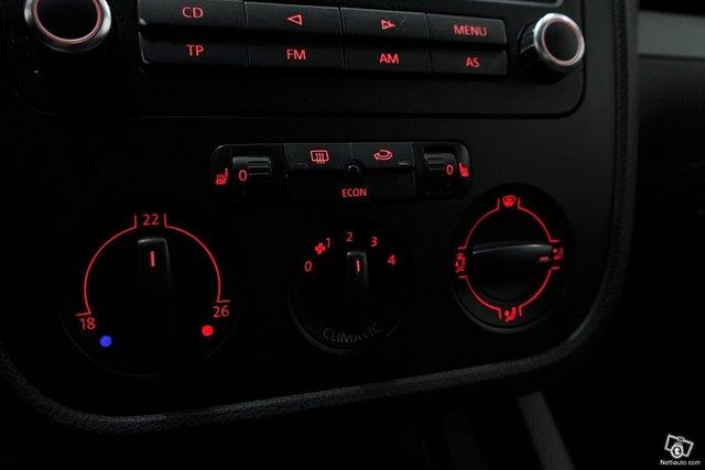Volkswagen Jetta 12