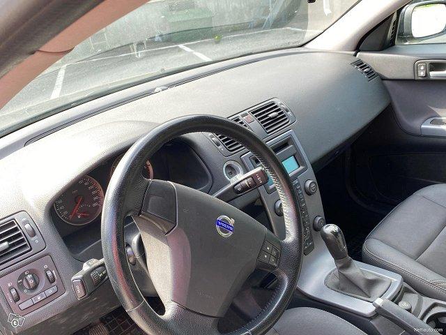 Volvo V50 17