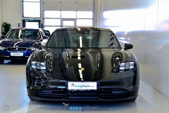 Porsche Taycan 13
