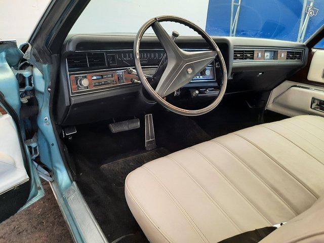 Cadillac Coupé De Ville 9