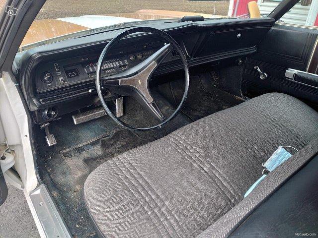 Chrysler Newport 6