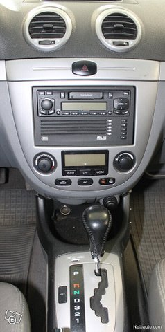 Chevrolet Nubira 12