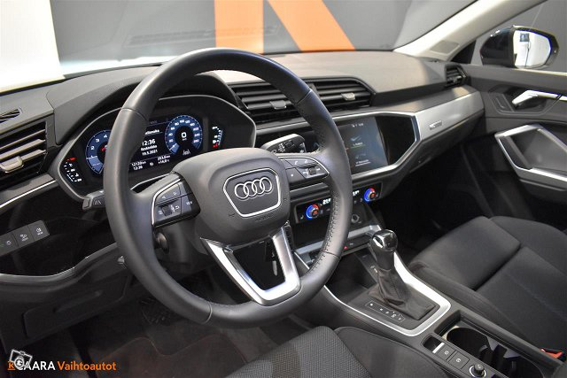 Audi Q3 7