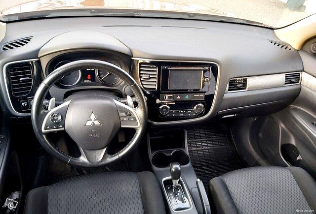 Mitsubishi Outlander 7