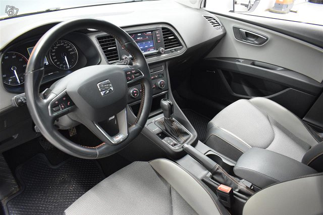 SEAT Leon X-Perience 6