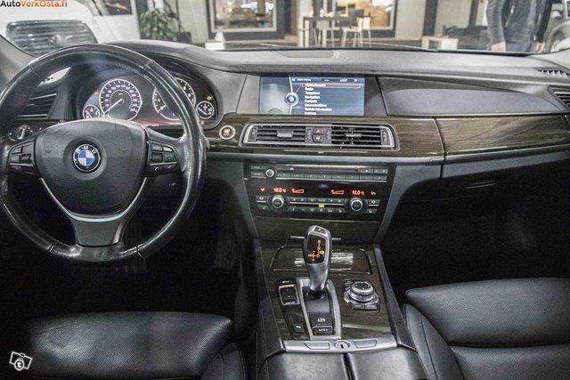 BMW 750 14