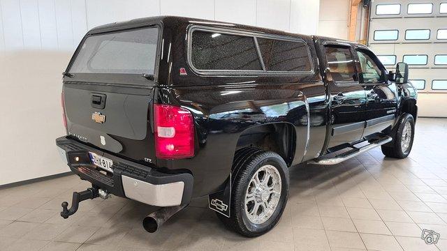 Chevrolet Silverado 3