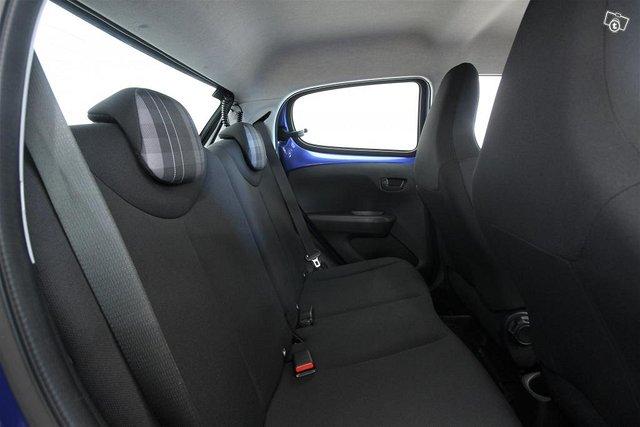 Peugeot 108 8