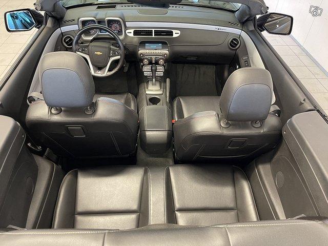 Chevrolet Camaro Convertible 11