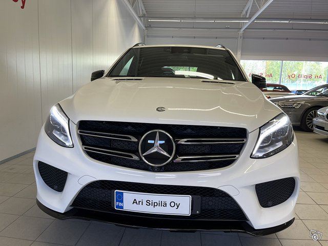 Mercedes-Benz GLE 500 4MATIC 3