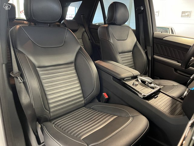 Mercedes-Benz GLE 500 4MATIC 12