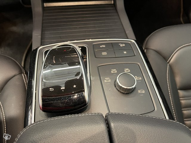 Mercedes-Benz GLE 500 4MATIC 14