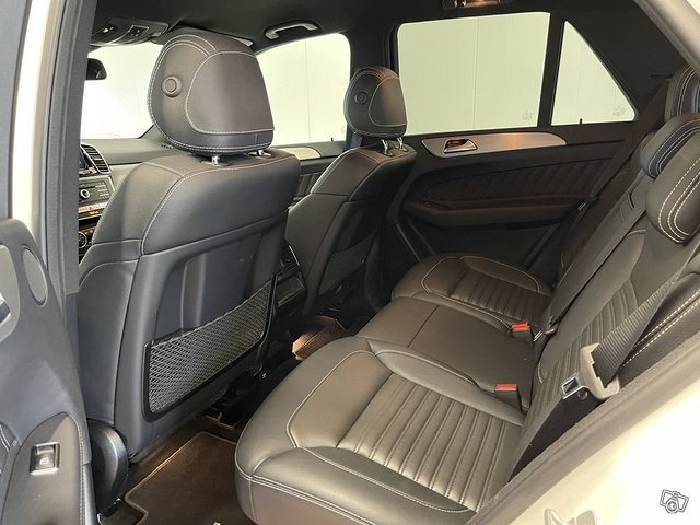 Mercedes-Benz GLE 500 4MATIC 15
