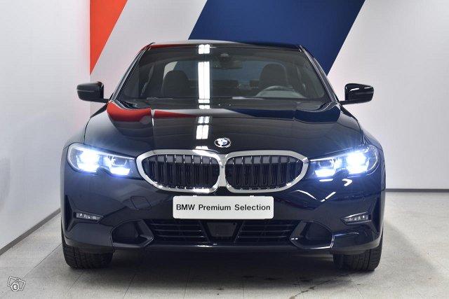 BMW 330 2