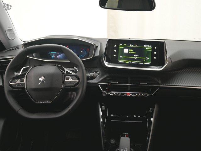 Peugeot 2008 5
