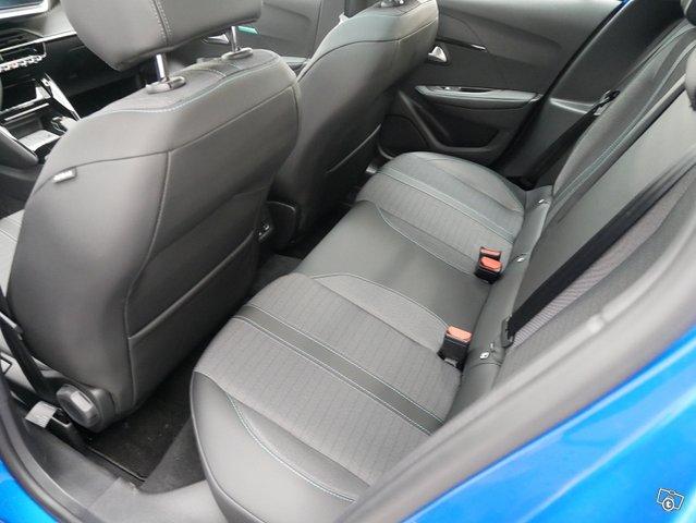 Peugeot 208 7